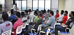 كلية الهندسة تنظم سلسلة من المحاضرات حول تنمية مهارات الطلبة